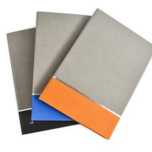 Agenda nedatata A5 coperta in doua culori